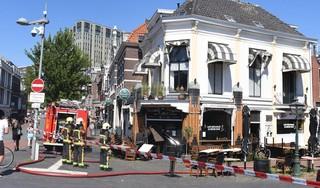 Brand in Café De Bruine Boon in Leiden, waterleiding zorgt voor redding