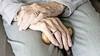 Zieke verpleeghuisbewoner noopt tot 'aangrijpende maatregelen' voor de hele afdeling: 'Kiezen tussen kwaden'