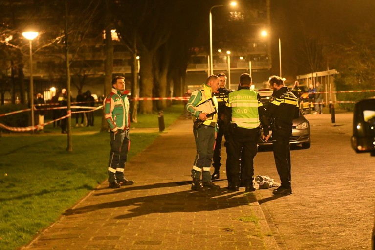 Dode en drie gewonden door steekpartij in Alphen aan den Rijn [video]