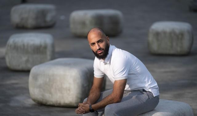 Bij Katwijk vertrokken Omar Hamdi is nu 'verlengstuk van trainer' in het veld bij FC Boshuizen