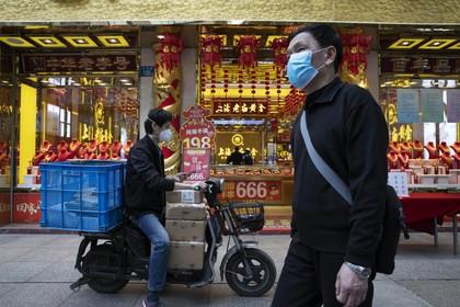 Consumentenbond over mondkapjes- en handgelsites: 'Tuin er niet in, je wordt genaaid!'