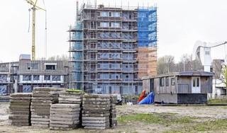 Woonboot blokkeert bouwproject Veerplaats in Leids Morskwartier