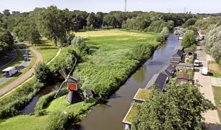 Alle woonboten Leidse Haarlemmerweg twee keer verplaatst; 'Het karakter van de trekvaart gaat eraan'