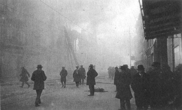 Beleef de brand in Leids stadhuis (1929) in 31 tweets
