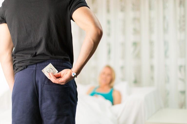 Lust maakt blind, pak dat condoom: 'Toen kuste hij me en ja, van het een kwam het ander'