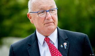 Hoekstra: nooit fondsenwerving op ambassade VS voor partij