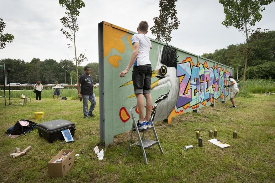 De eerste kunstwerken verschijnen op de nieuwe Graffiti Wall of Fame.
