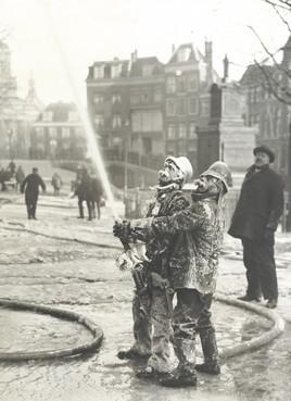 Familie van brandweerman met ijssnor meldt zich