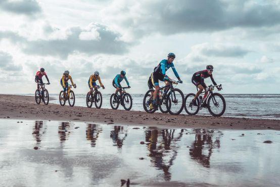Als een sneltrein door het zand vanuit Hoek van Holland naar Den Helder [video]