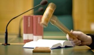 Rechter oordeelt mild over heftige burenruzie Leiden: 'Ik had niets van haar hersenen overgelaten'