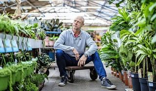 Verslagenheid maar vooral veerkracht na verwoestende brand Intratuin Lisse: 'Geproost met het personeel op de mooiste nieuwe vestiging van Nederland'