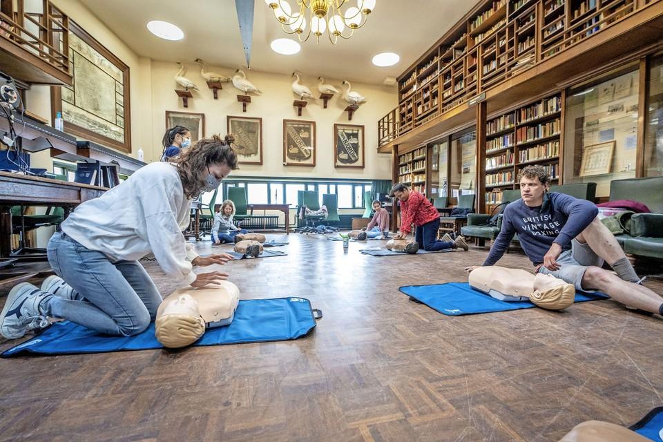 Het Leidsch Reanimatie Weekend bij studentenvereniging Minerva in Leiden.
