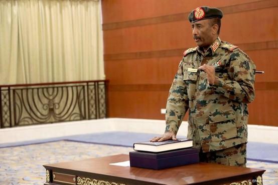 Hamdok beëdigd als nieuwe premier van Soedan