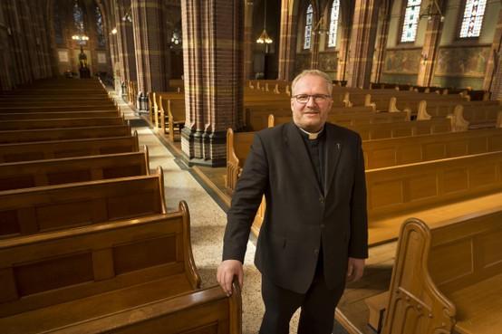 'Wit schaap' met late roeping: pastoor Bouke Bosma in Bollenstreek aan de slag