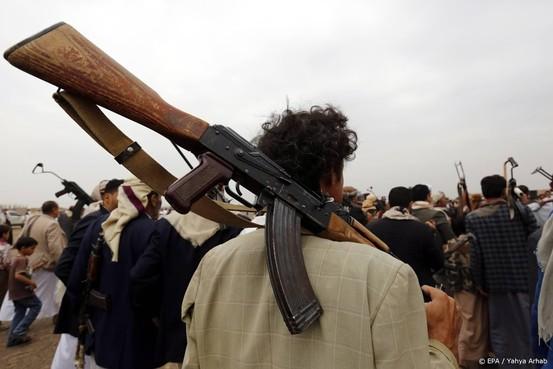 Houthi's dreigen met meer aanvallen
