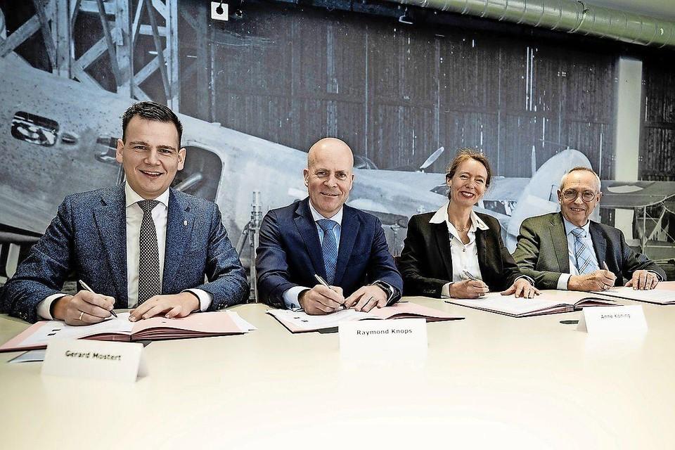 Op 5 maart 2020 ondertekenden de wethouders Mostert (Katwijk) en Wassenaar (Wassenaar), minister Raymond Knops en provinciebestuurder Anne Koning nog eensgezind het akkoord over de inrichting van vliegkamp Valkenburg