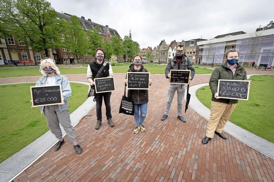 Actie in Leiden tegen het leenstelsel.