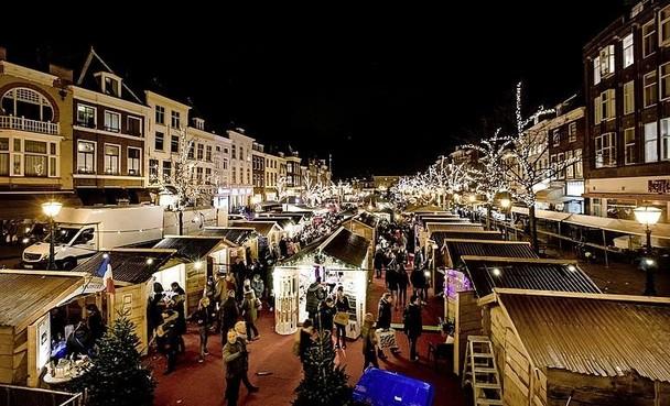 Drijvende Leidse kerstmarkt hunkert naar de wal
