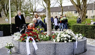 Herdenking schietdrama De Ridderhof is een 'lastige dag': 'De kans dat je weer onderuit gaat, is groot' [video]