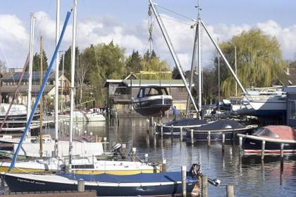 Merenwijkers maken bezwaar tegen verleende vergunning voor nieuwe eigenaar jachthaven Zijlzicht
