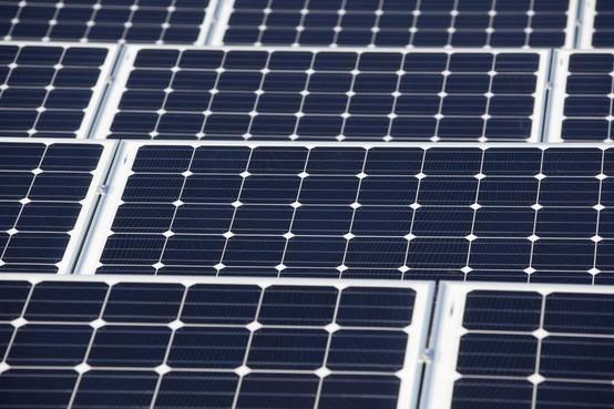Het touwtrekken om windmolens en zonneparken in de regio is begonnen