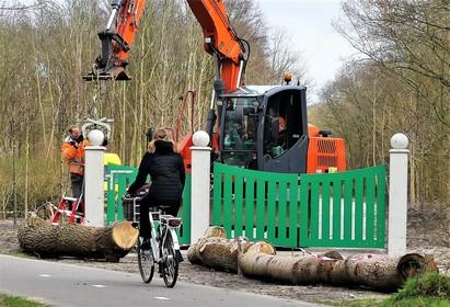 Nieuw toegangshek bij Nieuw Leeuwenhorst in Noordwijk