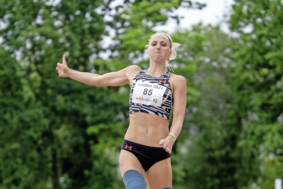 Fleur Jong sprong een wereldrecord.