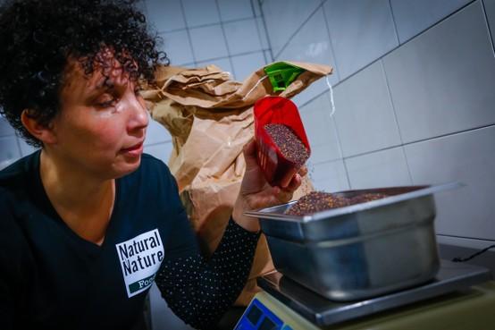Nathalia Zoer: 'Belangrijk iets terug te geven aan de natuur van wie ik mijn groente, fruit en kruiden krijg'