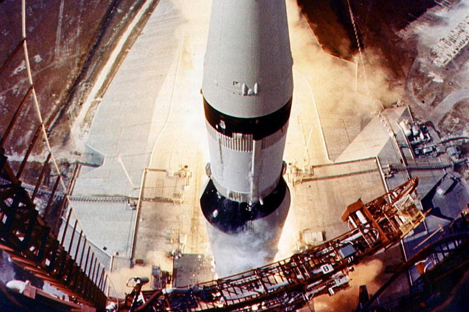 Lancering Apollo 11tronauts to the moon by 2020, NASA administrator Michael Griffin said Monday. ASTRONAUTICS ASTRONAUT MOON