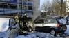 Geparkeerde auto vliegt in brand in Alphen aan den Rijn, voertuig is total loss