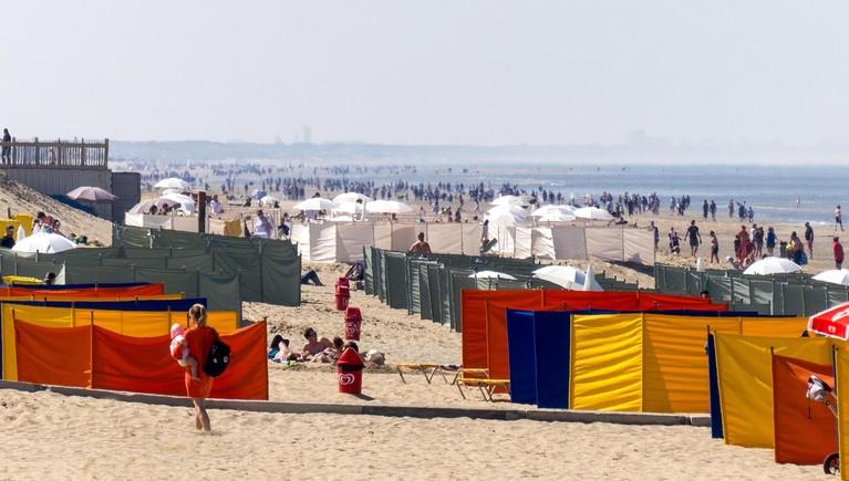 Kleurrijke drukte in Duin- en Bollenstreek tijdens zomers Paasweekeinde