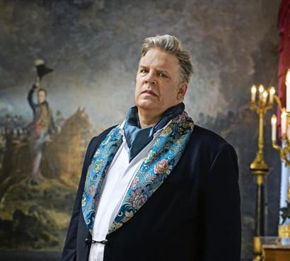 Acteur Jack Wouterse 'burgemeester' in Voorschoten bij filmopnamen waar tomaten worden gegooid