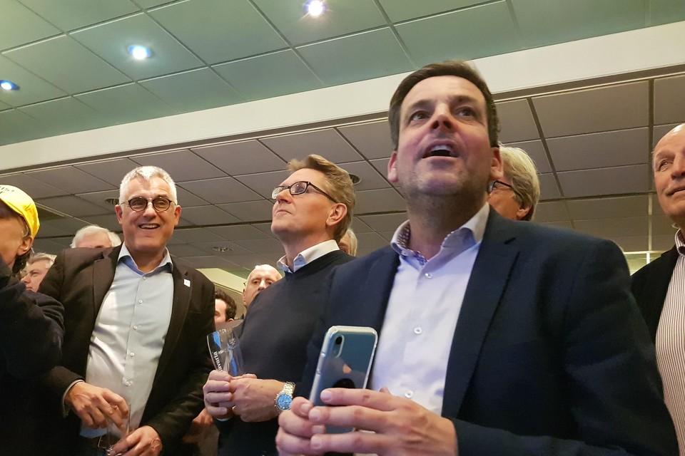 De vertegenwoordigers van de drie lokale partijen op een rij: Sjaak van den Berg van NZLokaal, Gerben van Duin van PUUR en Dennis Salman van Lijst Salman Noordwijk.