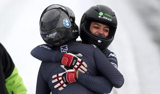 Katwijkse bobsleester Jennifer Onasanya (26) wint brons op EK in Winterberg: 'Ik heb de Spelen van 2018 gemist en dat gaat mij niet een tweede keer overkomen' [video]