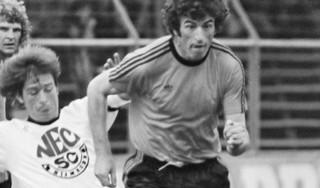 Het toevalstrefferleven van Frank Kramer (1947-2020): steward, profvoetballer, hitzanger, presentator en avonturier