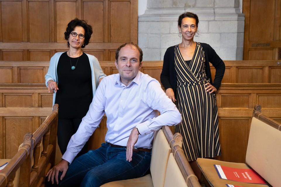 Judi Mesman, rechts op de foto, is behalve onderzoeker ook 'dean' van het Leiden University College in Den Haag.