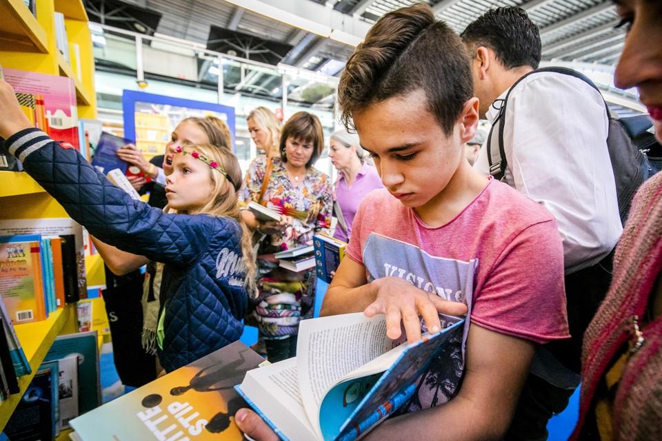 ,,Het maakt niet zoveel uit wat ze lezen, als ze maar lezen'', zegt leerkracht Job de Graaf.