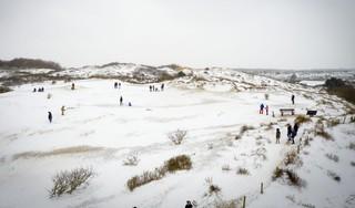 Op wintersport in Noordwijk: 'Het is nog een prototype, we moeten er nog wat punten aan verbeteren' [video]