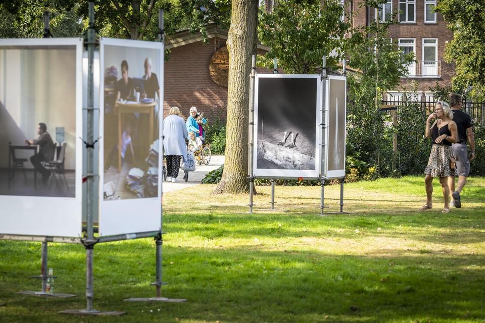 Ook het Blekerspark staat tot en met 31 oktober in het teken van International Photofestival Leiden
