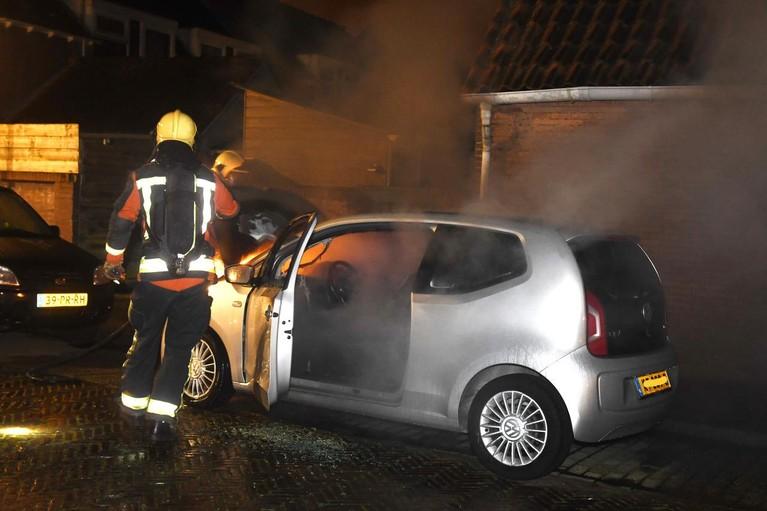 Autobrand Munnikenstraat in Leiden