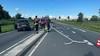 Automobilist rijdt lichtmast uit de grond in Alphen aan den Rijn en laat auto achter