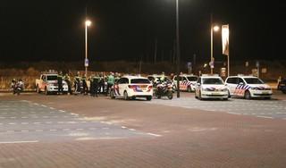 Onrust op strand van Noordwijk: zo'n 300 feestende mensen naar huis gestuurd [video]