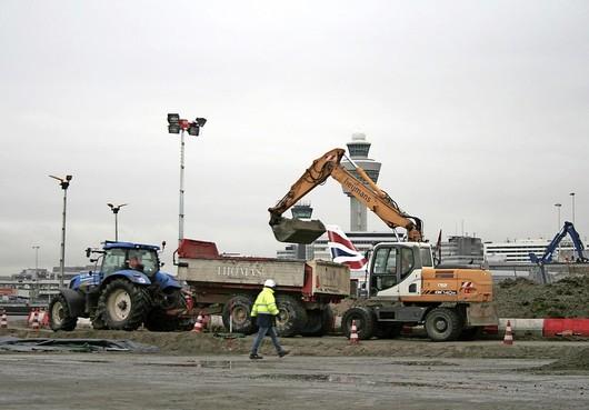Drukste punt taxibanen Schiphol aan onderhoud toe. Andere startbanen in gebruik [video]