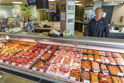 Hele generaties groeiden op met 'het vlees van Cees' en 'de ballen van Ria' in Roelofarendsveen