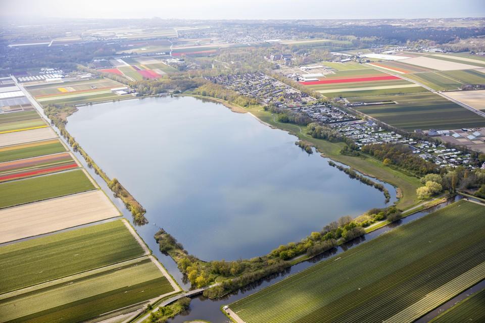 Het Oosterduinsemeer in Noordwijkerhout.