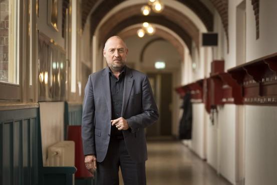 Schooldirecteur Eduard Nagel maakt geen fietstocht, maar verlaat tussentijds Bonaventuracollege Burggravenlaan