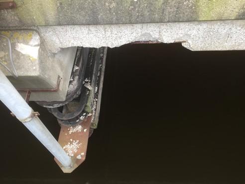 Meepraten in Oud Ade over nieuwe Langebrug