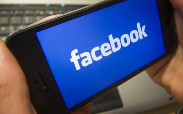 Universiteit Leiden schort samenwerking met Facebook op over nepnieuws