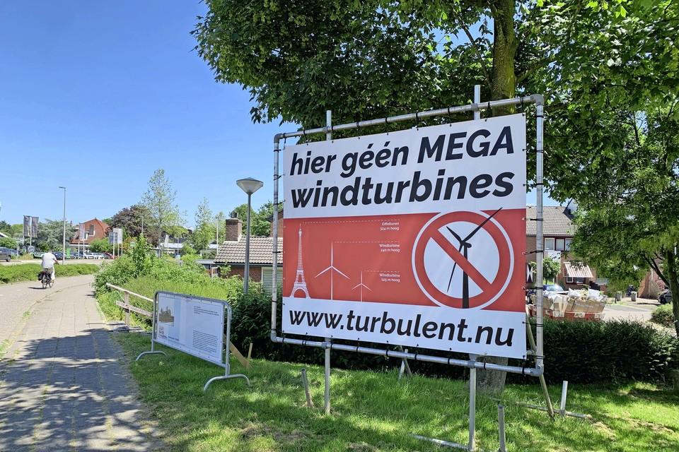 Protestbord in het centrum van Hazerswoude-Rijndijk.