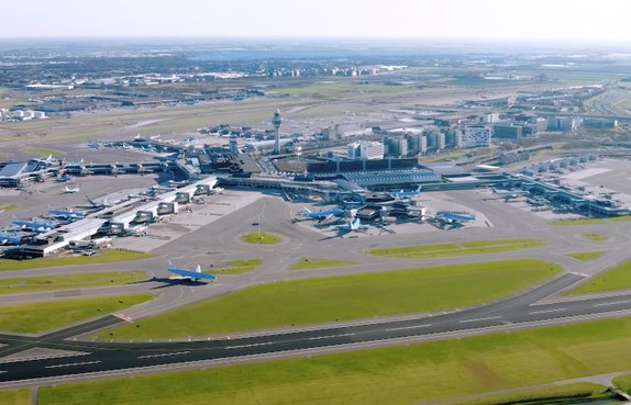 'Lelystad zorgt voor groeiruimte op Schiphol'
